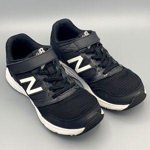 New Balance Boys Athletic Running Shoe Size 4.5
